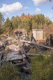 Zerstörte Eisenbahnbrücke auf Meherenga in der Arkhangelsk-Region von Russland Lizenzfreie Stockbilder