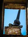 Zerstörte orthodoxe Kirche von Sankt Nikolaus im Dorf von Olchi in der Kaluga-Region von Russland Stockfotografie