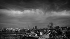 Zerstörung das alte, um ein Neues aufzubauen stockfotografie