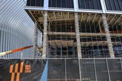 Zerteilen Sie die abgeschlossenen Gebäude, die am Standort des Bodennullpunkts, Manhattan, New York City gesehen werden lizenzfreies stockfoto