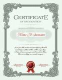 Zertifikat des Fertigstellungs-Porträts mit Blumenverzierungs-Weinlese-Rahmen Stockfotos