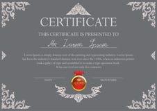 Zertifikatdesignschablone mit thailändischem Kunstrahmen Lizenzfreies Stockfoto