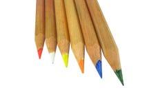 Zes geïsoleerdeg kleurenpotloden royalty-vrije stock afbeelding
