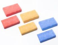 Zes gevouwen handdoeken rode, gele en blauwe hoogste mening royalty-vrije stock afbeeldingen
