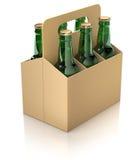 Zes groene flessen bier in karton verpakking Stock Afbeelding