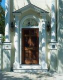 Zes paneel koloniale deur op historisch huis Stock Fotografie