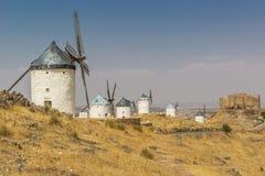 Zes Spaanse windmolens op een rij Royalty-vrije Stock Foto's