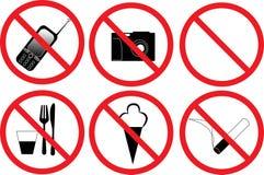 Zes verbiedende tekens die op wit worden geïsoleerdd Royalty-vrije Stock Fotografie