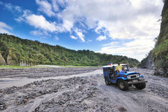 Zet Alpinisten Pinatubo op Royalty-vrije Stock Foto