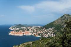 Zet de Dubrovnik oude stad en Srd op Stock Foto's