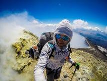 Zet de vulkaan van Etna in actie op Italië, Sicilia Stock Foto's