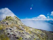 Zet de vulkaan van Etna in actie op Italië, Sicilia Royalty-vrije Stock Afbeelding