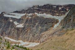 Zet Edith Cavell Glacier op royalty-vrije stock afbeeldingen