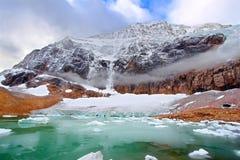 Zet Edith Cavell Jasper National Park op stock foto