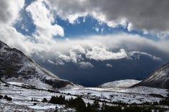 Zet Edith Cavell Storms Canada op royalty-vrije stock fotografie