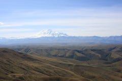 Zet Elbrus op toneel Royalty-vrije Stock Afbeeldingen
