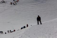 2014 zet Elbrus, Rusland op: het beklimmen tot de bovenkant Royalty-vrije Stock Foto