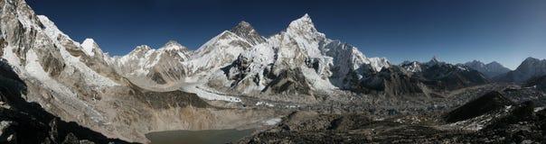 Zet Everest en de Khumbu-Gletsjer van Kala Patthar, Himalayagebergte op Stock Foto's