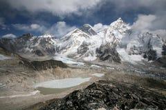 Zet Everest op die van Kala Patthar wordt bekeken Stock Afbeeldingen