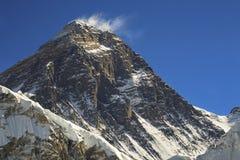 Zet Everest-Zuidencol. en Hillary Step in de Bergen van Himalayagebergte op stock fotografie