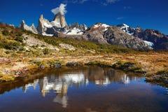 Zet Fitz Roy, Argentinië op royalty-vrije stock foto's