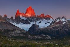 Zet Fitz Roy bij zonsopgang op, Patagonië, Argentinië Stock Foto's