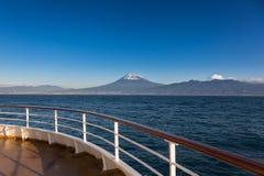 Zet Fuji-mening van het overzees op Royalty-vrije Stock Afbeeldingen