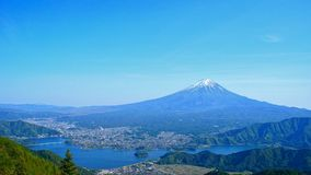 Zet Fuji op die van Shindo-pas in Yamanashi, Japan wordt bekeken Stock Fotografie