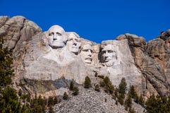 Zet het Nationale Monument van Rushmore in Zuid-Dakota op Het verstand van de de zomerdag Stock Foto