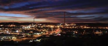 Zet Isa bij nacht met wolken op stock foto