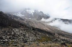 Zet Kilimanjaro met mist op Royalty-vrije Stock Afbeelding