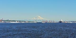 Zet Regenachtiger en Puget Sound op stock fotografie
