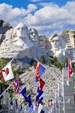 Zet Rushmore met de Vlaggen van de Staat op stock afbeelding