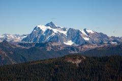 Zet Shuksan in de bergketen van de het Noordencascade op stock foto