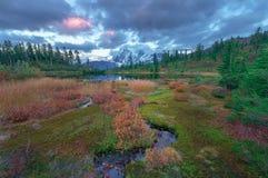 Zet Shuksan en Beeldmeer in Baker Wilderness op royalty-vrije stock afbeelding