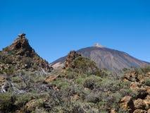 Zet Teide-vulkaan met rotsvormingen op Royalty-vrije Stock Afbeeldingen