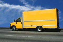 Zet uw advertentie op gele vrachtwagen Royalty-vrije Stock Afbeelding