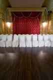 Zetels bij overlegsalon Stock Foto's