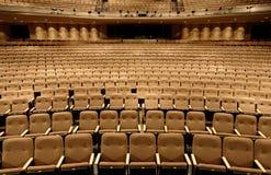Zetels in een theater stock fotografie