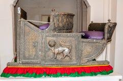 Zetels genoemd die Hawdas bovenop Olifanten wordt gebruikt Stock Foto