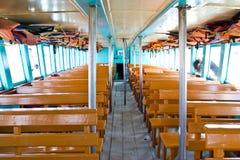 Zetels houten op de boot royalty-vrije stock foto's