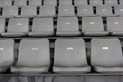 Zetels onder een tribunedak Royalty-vrije Stock Fotografie