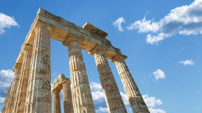Zeus Temple Sky avec des nuages banque de vidéos