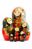 Zeven traditionele Russische matryoshkapoppen op witte achtergrond Royalty-vrije Stock Fotografie