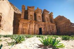 Zeven zijn van nieuwe wereld benieuwd Petra - Jordanië Gebouwen in de rots Mooie mening over oude gebouwen Unesco Royalty-vrije Stock Foto's