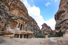 Zeven zijn van nieuwe wereld benieuwd Petra - Jordanië Gebouwen in de rots Mooie mening over oude gebouwen Unesco Stock Afbeeldingen