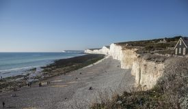 Zeven Zustersklippen, East Sussex - overzees, hemel en weiden royalty-vrije stock fotografie