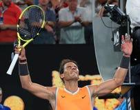 Zeventien keer Grand Slam-viert de kampioen Rafael Nadal van Spanje overwinning na zijn halve finalegelijke bij het Australian Op stock afbeeldingen