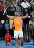 Zeventien keer Grand Slam-viert de kampioen Rafael Nadal van Spanje overwinning na zijn halve finalegelijke bij het Australian Op stock afbeelding