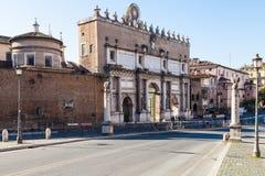 Zewnętrzna fasada Porta Del Popolo w Rzym mieście Fotografia Royalty Free